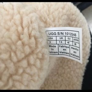 UGG Shoes - UGG boots size 9